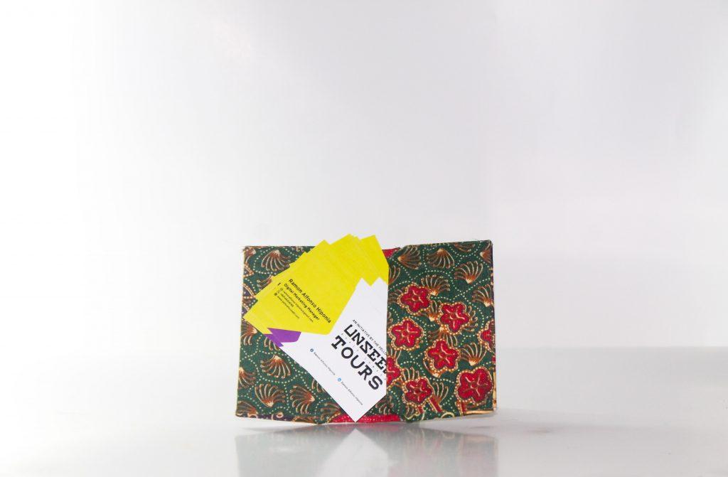 batik-card-holder